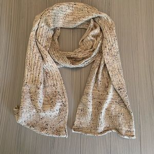 Universal Thread Scarf